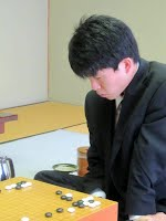 http://www.nihonkiin.or.jp/player/htm/ki000427.htm