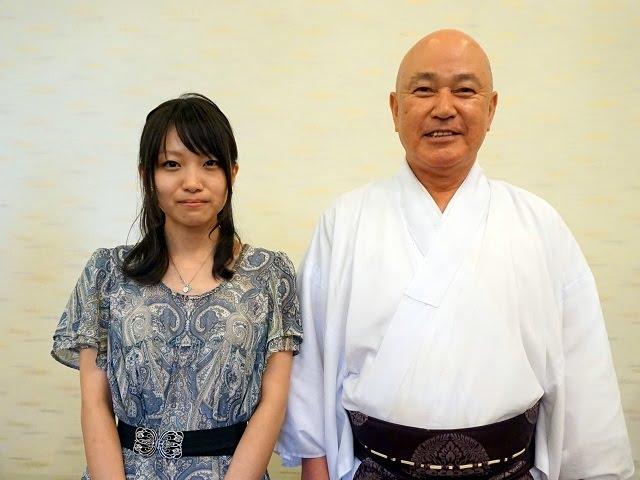 椿大神社・山本行恭宮司と指導棋士・熊本葵インストラクター